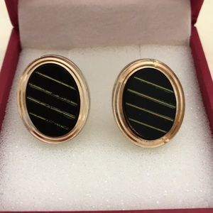🎉HP🎉Vintage classic onyx and gold cuff links